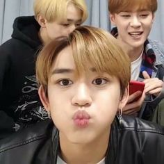 Find images and videos about kpop, nct and chenle on We Heart It - the app to get lost in what you love. Nct 127, Nct Yuta, Lucas Nct, Mark Nct, Funny Short Videos, Kpop, Meme Faces, Winwin, Taeyong