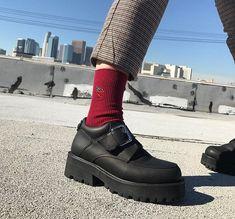 DAIS; shoes, shape, coordination, color