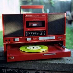 record player boombox  https://www.pinterest.com/0bvuc9ca1gm03at/