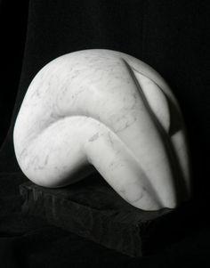 Renate Verbrugge (©2007 artmajeur.com/renatesculpt) Stylised figure in deep contemplation - carrara marble