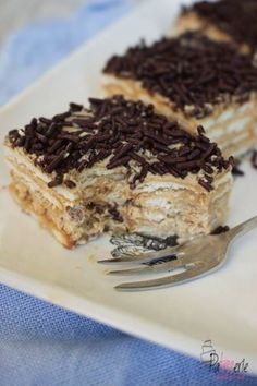Beppetaart, a delicious no-bake cake with cookies and mocha, Dutch Recipes, Sweet Recipes, Baking Recipes, Cake Recipes, Dessert Recipes, Köstliche Desserts, Delicious Desserts, Yummy Food, Sweets Cake