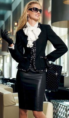 Image of: Business faux leather pencil skirt Can you wear leather for business attire? Checkout this put-together look: detailed jacket, leather gloves, purse, and black leather pencil skirt. Trend Fashion, Look Fashion, Winter Fashion, Womens Fashion, Classy Fashion, Chanel Fashion, Petite Fashion, Fashion 2018, Fashion Bloggers