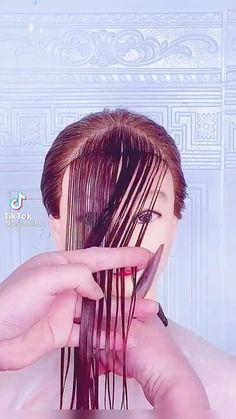 Hair Cutting Videos, Hair Cutting Techniques, Hair Videos, Easy Hairstyles For Long Hair, Diy Hairstyles, Diy Haircut, Hair Upstyles, Hair Hacks, Short Hair Cuts