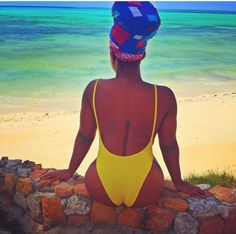 Tv presenter and rising actress, Moet Abebe, shows what a real 'Summer body' should look like(photos) - Accueillir en Gbetu TV
