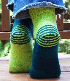 """DOUBLE HEELIX -- """"extra-spicy"""" clever, clever heels-first sock pattern by Jeny Staiman. With plenty of bonus two-color diagrams. curiousknitter.bl... -- HOW NOT TO TANGLE those two yarns!"""