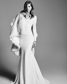 Looking for a winter wedding dress? This is your choice then. Loving the crepe long sleeves.  #Ivania #PronoviasStyledByChiara #Pronovias2016 #TheBlondeSaladNeverStops @pronovias