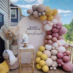 Decoration Birthday, Birthday Balloon Decorations, Bridal Shower Decorations, Birthday Balloons, Birthday Party Themes, Parties Decorations, Elegant Birthday Party, Birthday Ideas, Balloon Garland