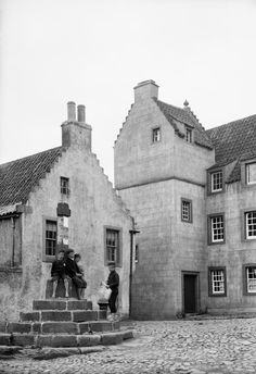 1896 Culross The Cross Study