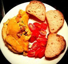 Bezvaječná omeleta s restovanou zeleninou a tofu - super rychlá snídaně (svačina, večeře) / Omelette from pea dough filled with veggies and tofu - super fast breakfast (snack, dinner)