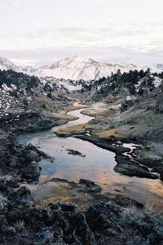 Photographie de paysages dont la qualité ne s' arrête pas a l'esthétique et parle d'un territoire, d'un pays.