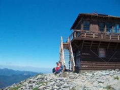 The hike to Fremont Lookout has much to offer — great views of Mount Rainier, green forest vistas, white mountain goats, and a trek across the mountain's awesome alpine tundra. #MtRainier #hiking
