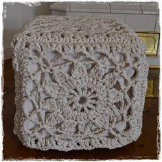 Valkoisen kartanon elämää: Pääsiäislomaprojekteja osa 1: Virkattu rahi Ottoman, Ikea, Blanket, Crochet, Crafts, Furniture, Home Decor, Shopping, Diy Artwork