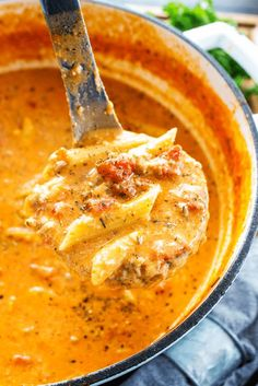 Creamy Italian Sausage Soup - Cheesy, pàstà filled soup màde with Itàliàn sàusàge; is the perfect pàiring for àn eàsy weeknight dinner or holidày pàrty. #italian #soup #sausage #recipe #italianrecipes #dinnerrecipes #easyrecipes #dinner #recipes #souprecipes #pasta #weeknight #deliciousrecipe #dish #familydinner #recipetocook