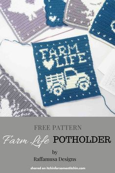 "This is a truly fabulous tapestry crochet potholder.  It is a free pattern by guest designer Raffamusa Designs and features a truck and the words ""Farm Life"".  Plus, it is only one in a series of Farmhouse potholders - you will want to grab them all! #freecrochetpattern #tapestrycrochet #crochetpotholder #crochetkitchen #crochethomedecor #crochethome Potholder Patterns, Crochet Potholders, Knit Patterns, Form Crochet, Single Crochet, Crochet Geek, Art Diy, Crochet Home Decor, Crochet Kitchen"