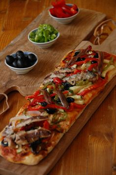 Happy Foods, Vegetable Pizza, Food And Drink, Appetizers, Yummy Food, Healthy Recipes, Meals, Dishes, Cooking