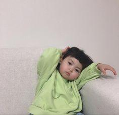 Cute Asian Babies, Korean Babies, Cute Babies, Superman Baby, Cute Little Baby, Little Babies, Baby Kids, Cute Baby Girl Pictures, Baby Photos