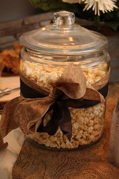 I love the idea of having snack jar on the counter of my cafe. This way the counter is decorated and usable!