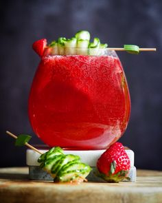 Gin, Watermelon, Strawberry, Cocktails, Fruit, Food, Craft Cocktails, Eten, Strawberry Fruit