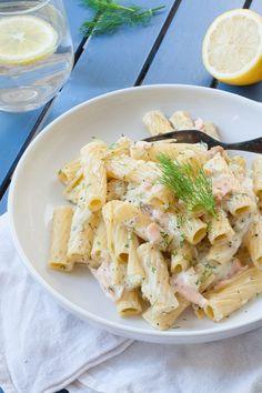 15-Minuten Pasta mit Frischkäse-Sauce und Räucherlachs. Herrlich cremig und so gut - kochkarussell.com