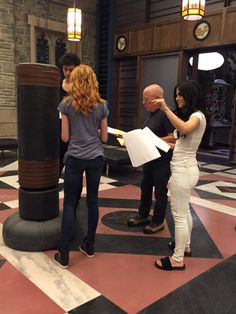 Shireen Razack: Shout out to the amazing director of tonight's episode: miss you! Shadowhunters Tv Series, Shadowhunters The Mortal Instruments, Cassandra Jean, Cassandra Clare Books, Clary E Jace, Clary Fray, Freeform Tv Shows, To The Bone Movie, Famous In Love