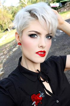 Blonde Pixie Hairstyle With Bangs #pixiehairstyles #pixiecut #shorthair #hairstyles #blondehair