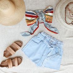 nossa escolha para o fds [ short jeans + cropped praiana ] ✨ Short Jeans, Cropped Jeans, Jean Shorts, Summer, Stuff To Buy, Outfits, Clothes, Dresses, Fashion