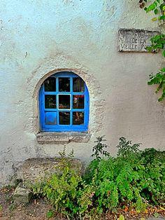 Petite fenêtre, rue de la Vieille Porte