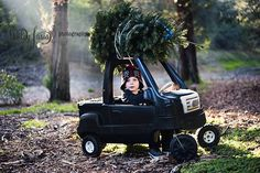 Christmas Tree - Small Christmas Tree - Christmas pictures - Holiday Pictures - cute kid pics