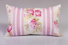 Designer textilből készült, végtelenül romantikus párna. Wordpress, Throw Pillows, Design, Toss Pillows, Cushions, Decorative Pillows, Decor Pillows, Scatter Cushions