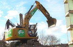 Caterpillar CAT 324E NL Excavator Bagger Loads Trucks Debris Recycling
