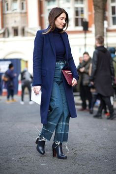 Yes, you can wear cropped denim in winter!