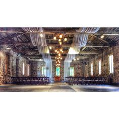 @minersfoundry in #nevadacity is just breathtaking! Simple but extravagant...simply extravagant!  #wedding #weddingcoordinator #nevadacitywedding #chicowedding #minersfoundry #augustwedding