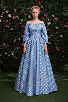 Платье «Маруся» голубое в горох — 24 990 рублей