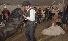 This is AMMAAZIINGGGGGG --------- Heartland actress Amber Marshall's ranch wedding