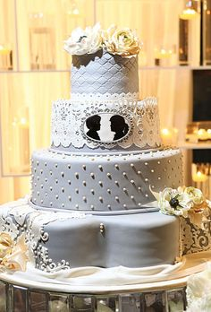 Brides: Outstanding Wedding Cake Designs :