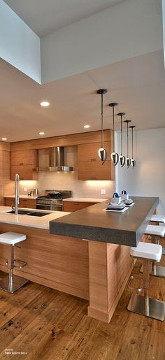Contemporary kitchen ♕re-pinned by http://www.waterfront-properties.com/