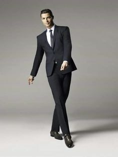This time Cristiano Ronaldo surprised us with a brand new shoes collection with his signature! Our favorite football player is the perfect model for all these b Ronaldo Cristiano Cr7, Cristino Ronaldo, Ronaldo Football, Sharp And Dapper, Sharp Dressed Man, Zinedine Zidane, Steven Gerrard, Chelsea Fc, Ac Milan