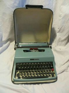 Baby Blue Olivetti Lettera 32 Portable Typewriter in Vinyl Case - Powder Blue Typewriter Charles Trenet, Nostalgia, Portable Typewriter, Oldies But Goodies, My Childhood Memories, The Good Old Days, Baby Blue, Vintage Outfits, The Past