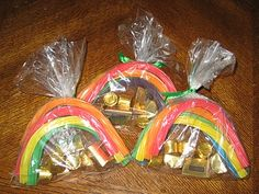 Gold at the end of the rainbow treats. PRECIOUS St. Patrick's Day idea.