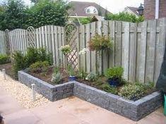 Fence Design, Garden Design, Small Back Gardens, Concrete Porch, Planter Beds, Garden Site, Garden Spaces, Raised Garden Beds, Growing Plants