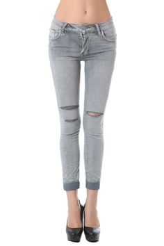 Skinny ankle jeans with shredded rips - 56,90 € - https://q2shop.com/