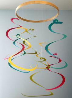 Art Mobile pépinière coloré longue spirale mobile par emaliasfancy