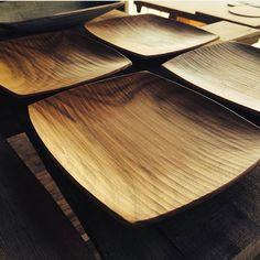 Koutarou Ohkubo,woodworker, Nagano Japan Wooden Plates, Wooden Art, Wooden Bowls, Wooden Crafts, Wood Tools, Wood Interiors, Wooden Kitchen, Wabi Sabi, Wood Design