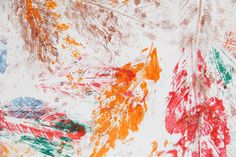 Brincando com as folhas Abstract, Artwork, Painting, Walkway, Leaves, Work Of Art, Painting Art, Paintings, Paint