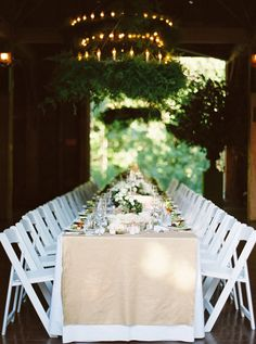 natural and elegant barn wedding #reception idea @weddingchicks