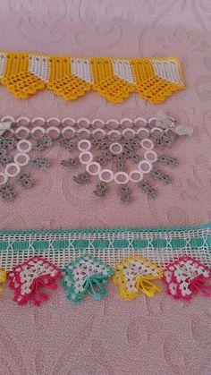 This post was discovered by La Love Crochet, Crochet Flowers, Crochet Hooks, Crochet Baby, Crochet Borders, Filet Crochet, Crochet Sandals, Viking Tattoo Design, Crochet Dresses
