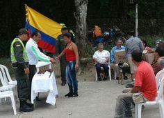 El Manzanillo realiza a gestos de paz con el desarme