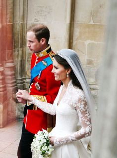 This picture is showing one of England's major events in history by one of there future kings getting married.