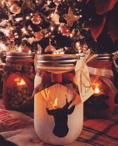 Fun Christmas mason jars! #christmas #candles #masonjar