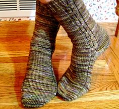(2,25mm) (64m) Ravelry: EasyGoing socks pattern by Linda Fisher